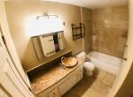 Suena, Shared Bathroom 2